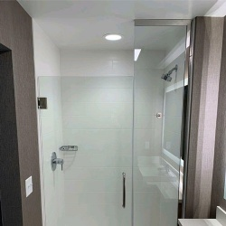 Swing Glass Shower Door for Best Western Hotel